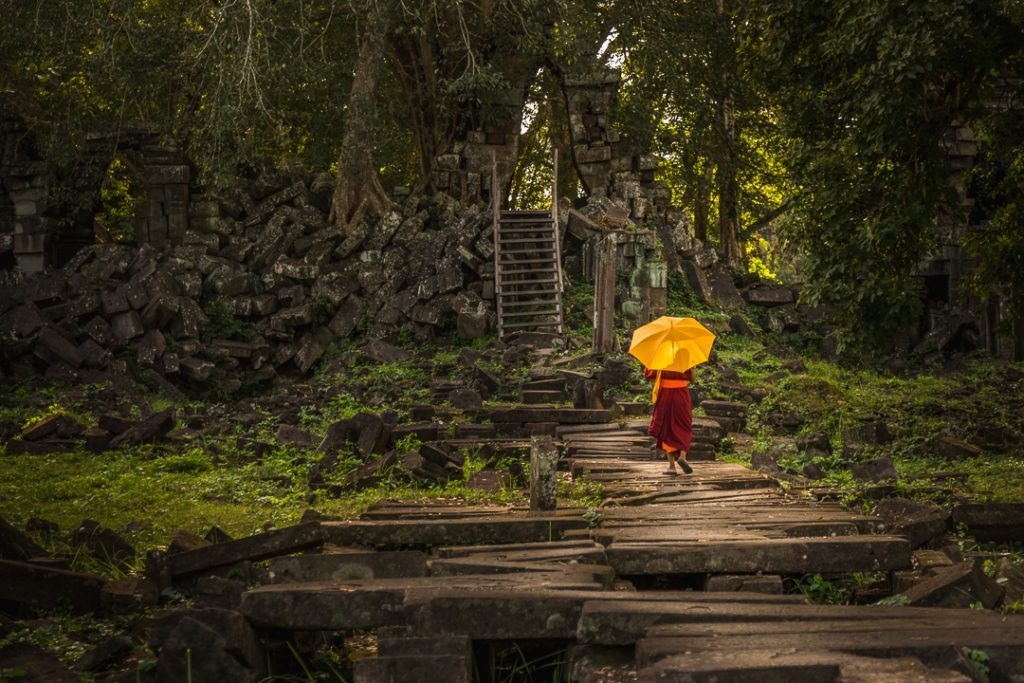 Peace and quiet @ remote temple, Monk, Preak Khan, Cambodia